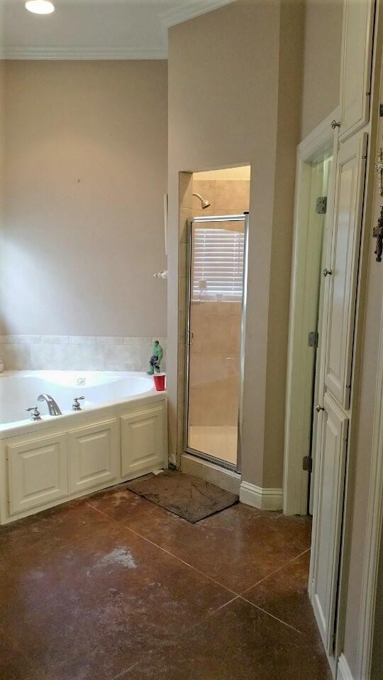 Lucky Estates Master Bathroom Before